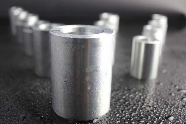 Collier de tuyau en acier doux