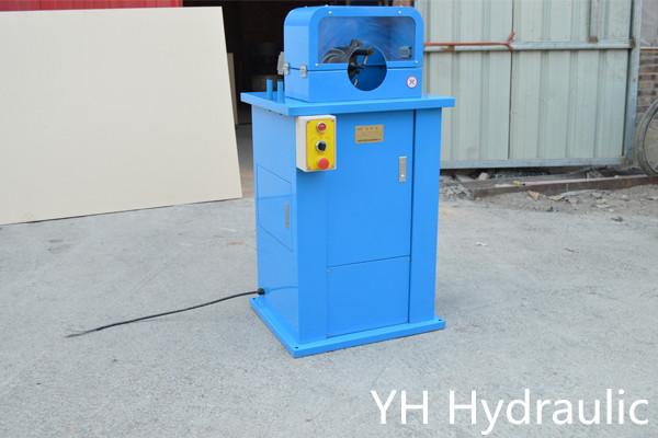 machine à découper les tuyaux hydrauliques